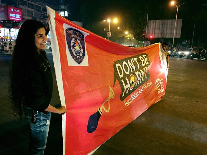 Red FM n RJ Devaki spread the awareness against noise pollution  Busiest traffic junction #Stadium this evening