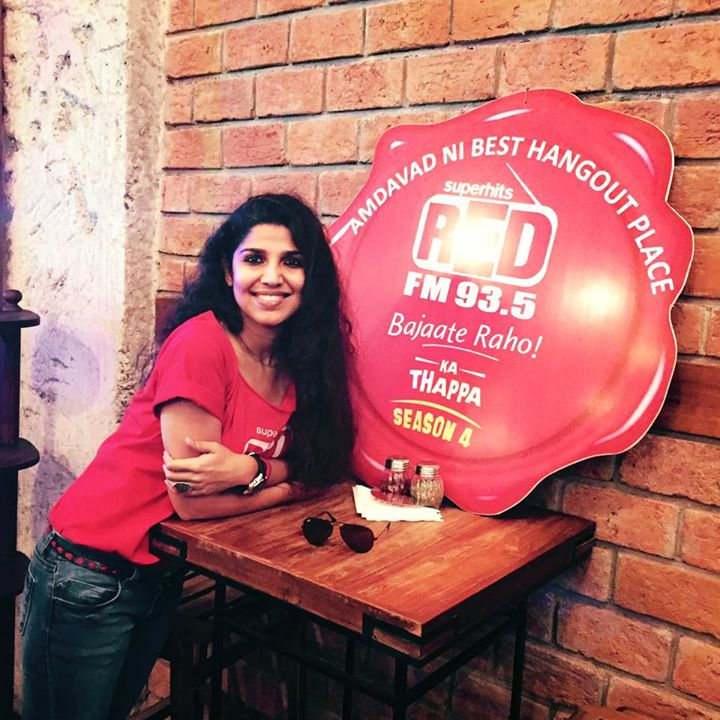 At Mocha Ahmedabad to give away Best Hangout ka Red FM ka #Thappa