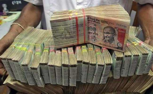 Rs 500 and Rs 1000 Notes Scrapped: 10 Things to Know : http://www.ndtv.com/india-news/rs-500-and-rs-1000-notes-scrapped-10-things-to-know-1622970