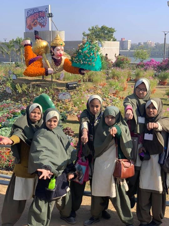 Here is the best example of religious unity in India, ahmedabad.... politicians might try whatever, here is the future of India celebrating diversity #togetherforever #Flowershow2020
