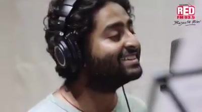 Watch Arijit Singh singing #SatarangiRe  Wrong Side Raju his 1st Gujarati Song ever....
