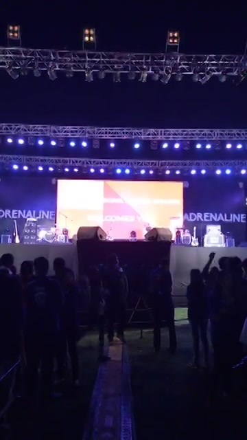 Opening the Concert of #Papon  in the city with a message of #EkDevakiAisiBhi #BajaoForACause Red FM   To adopt these special kids welfare donate on www.ketto.org/redfm