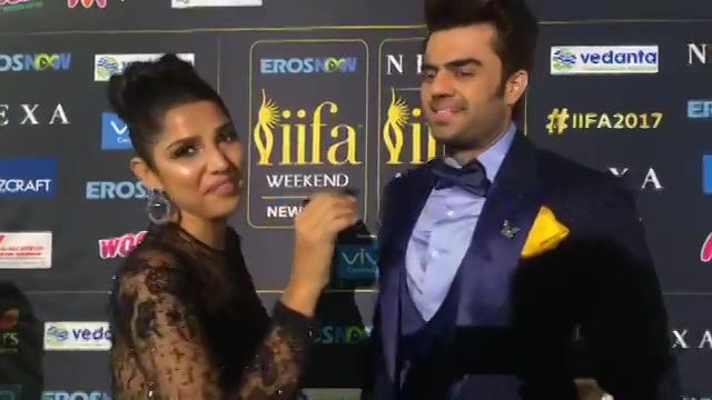 Catch me in #iifa with Maniesh Paul #IifaGreenCarpet