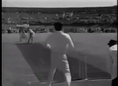 First cricket match between Raj Kapoor and Dilip Kumar with  26 players in each team.  This match was organized by Maharaja of Patiyala in 1956. Nirupa Roy and Shammi Kapoor opened the batting.   Watch this Rarest of the Rare Video !