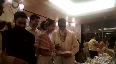 Big B also serves food at the Ambani wedding,  Intact he also recited the kanyadan rituals as Gor Maharaj for the wedding..  What amazing friendship 🥳