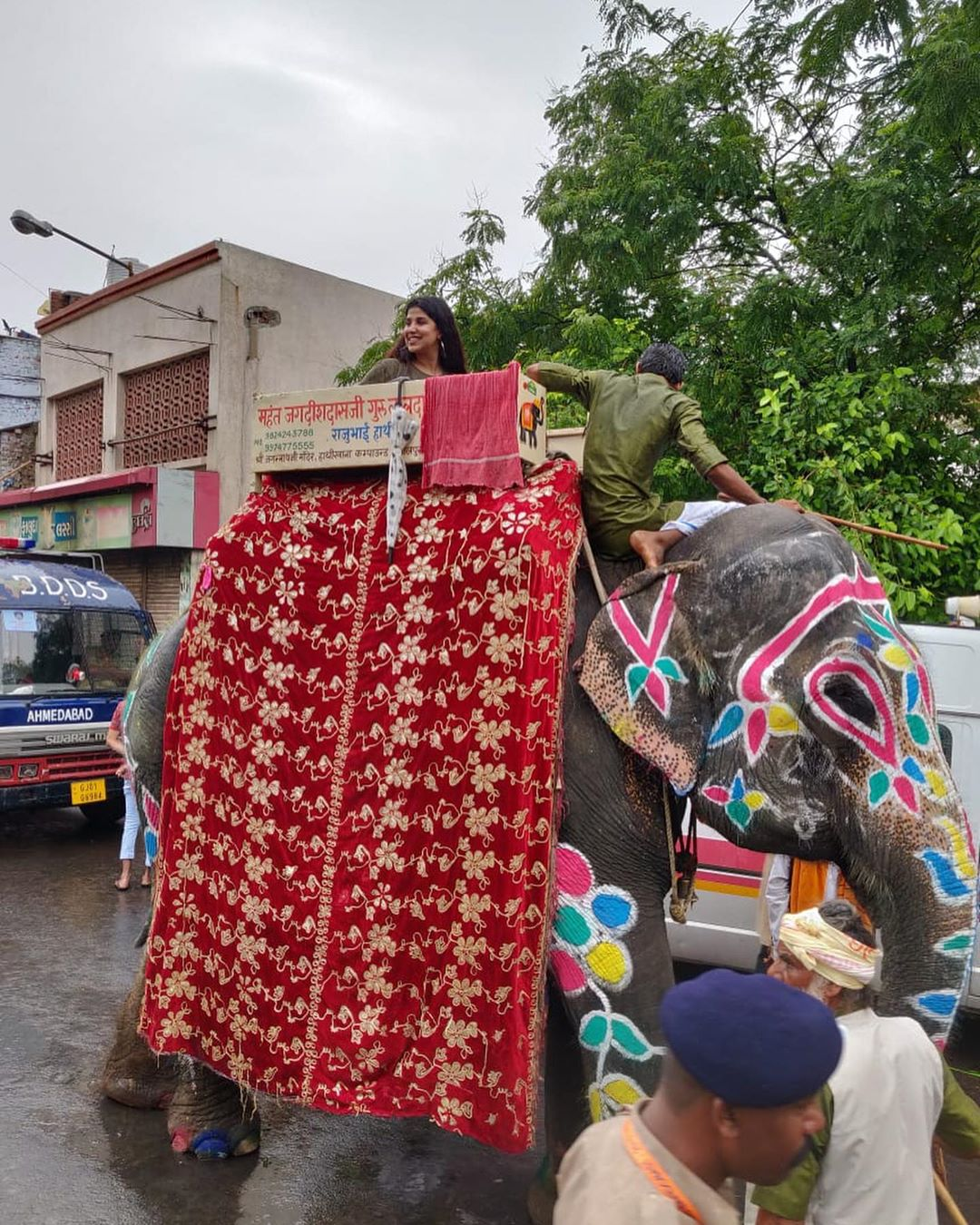 Join me live on my Facebook page #devaki n on my instalive to witness 142 years old Cutural n religious legacy of ahmedabad #Rathyatra I am leading the #Rathyatra by riding on the elephant No.1 #Yahanbhinumberone @redfmindia @nisha_narayanan @herain_patel @piyu_bhargava @ranjitphatak @isteyaq1 @rjharshredfm @rjdhruviredfm @dhrumilmavani @imraanibraheem @yasar.pathan