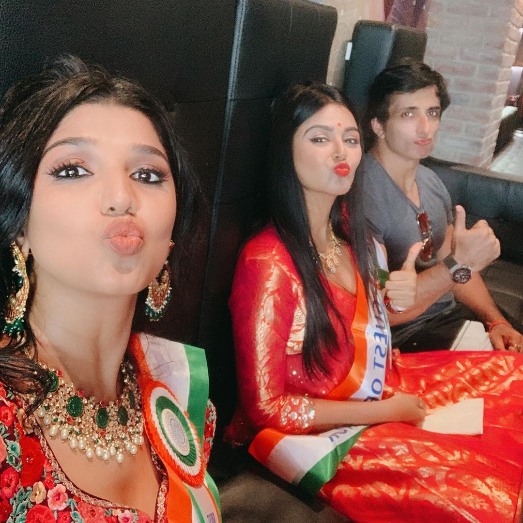 The 3 Guest of Honour of the India Day Parade pouting 🤣🤣🤣🥰🥰🥰🥳🥳🥳