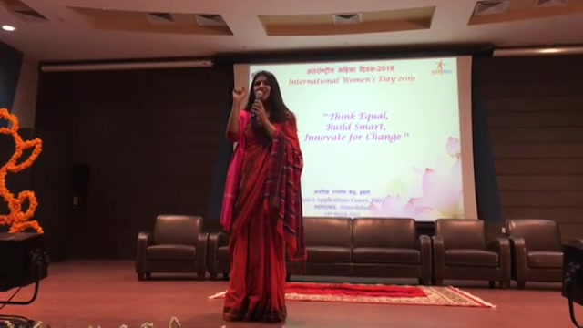 A phenomenal evening with the scientists at #ISRO #Talk #WomenEmpowerment #WakeUp #Ahmedabad #Gujarat #India #Nasa #Space #scientists #TalkShow #Speaker #MotivationalSpeaker #Saree #Indainwear #abwatandabaegabutton #bajateraho #electioncomissionofindia #ECI #youthambassadors2019 #Devaki #RJDevaki #Oath #ethicalvoting